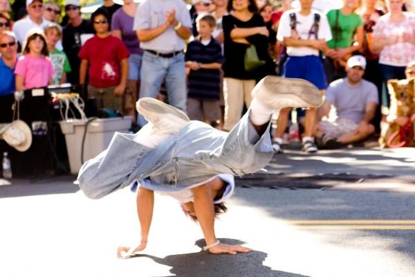 even-flow-dancer-2D0B39675-0F85-1B0B-0571-E9D357ACCE96.jpg